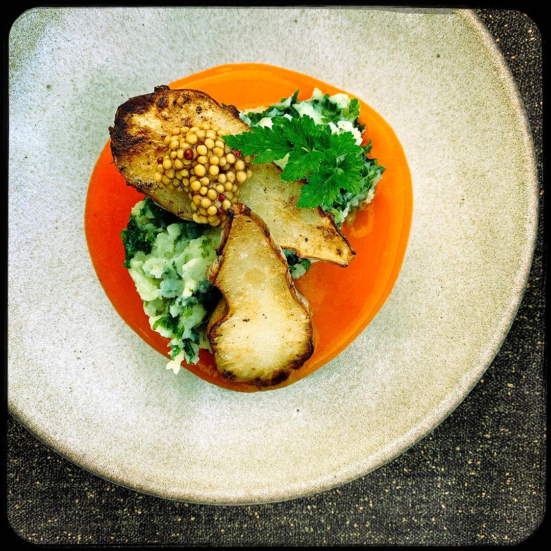 aardappel op hooi